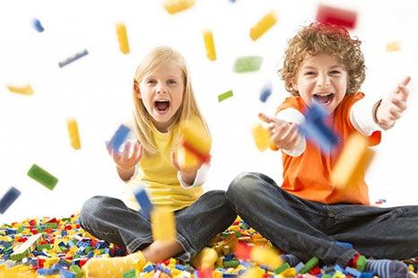Ρομποτική και Ομάδα κοινωνικών δεξιοτήτων μέσω κατασκευών με τουβλάκια LEGO®  (LEGO®-based Therapy)